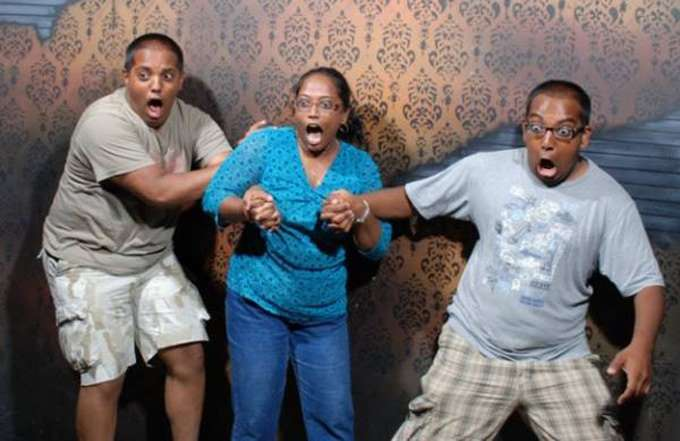 haunted-house-reactions-freaked-out