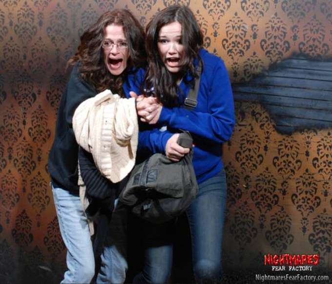 scared-haunted-house