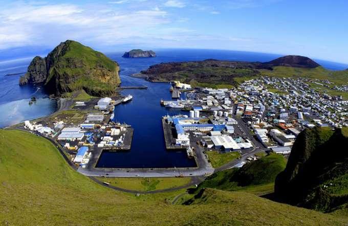Vestmannaeyjar-Iceland