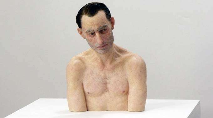 esculturas_hiper-realistas_giovani_caramello_tramp (1)